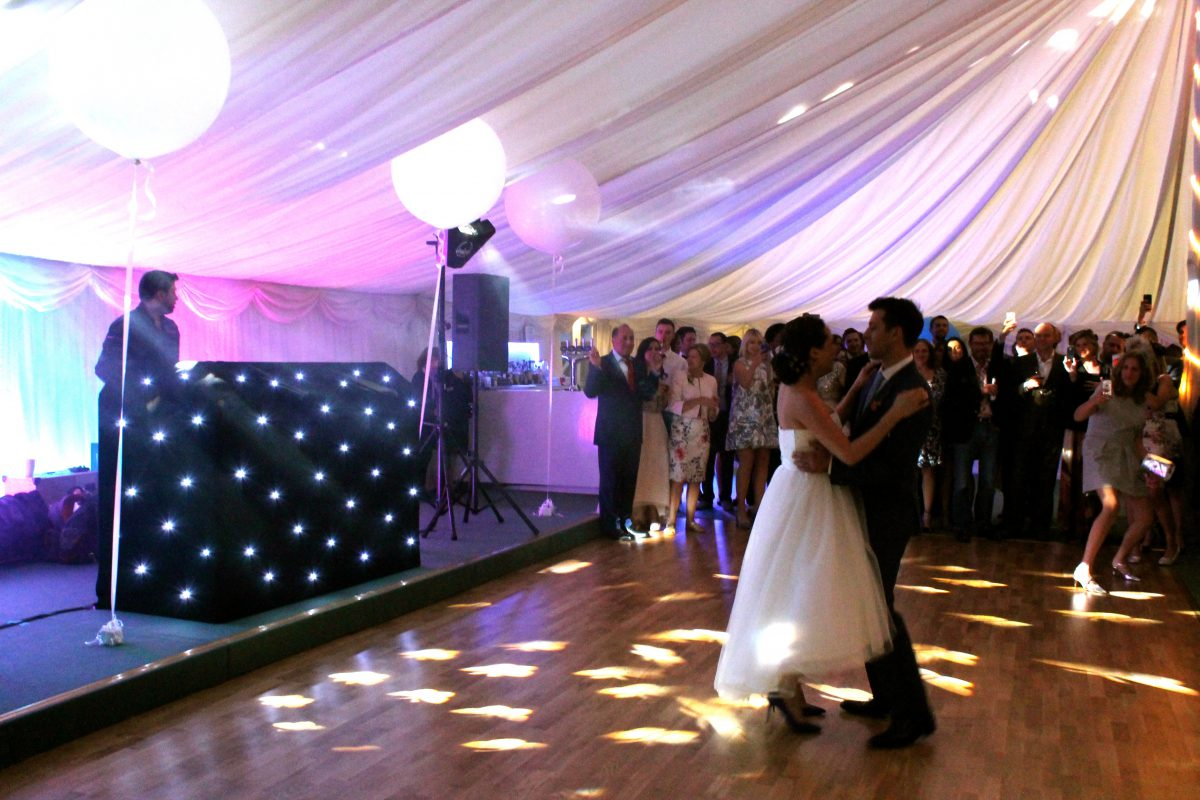 Longstowe hall weddings make the most wonderful event ever - Longstowe Hall Owns The Finest Traditional Marquee That Epitomises The Essence Of English Country House Wedding Receptions